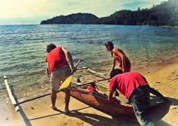 xa-bea-playing-canoe-